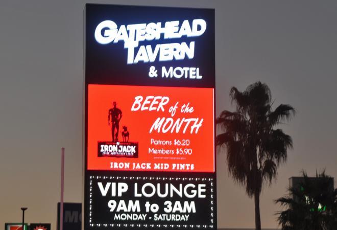 Pylon Signs with LED Gateshead Tavern